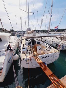 Location bateau Jeanneau Sun Odyssey 410 à Pula sur Samboat