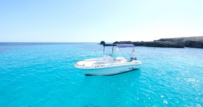 Location bateau Cala'n Bosch pas cher Cap Camarat 545 Open
