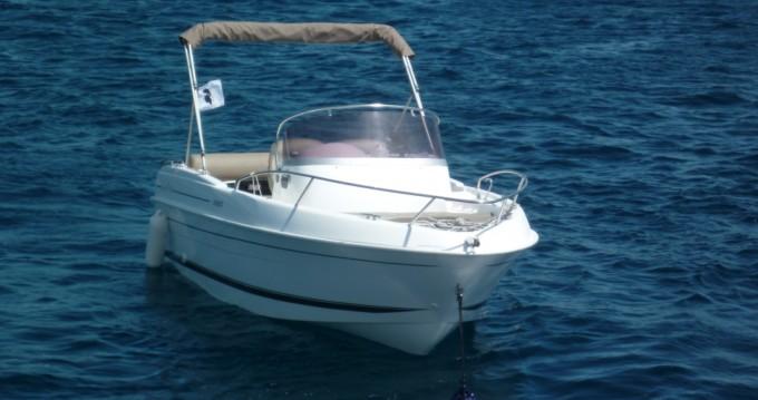 Louer Bateau à moteur avec ou sans skipper B2 Marine à Bastia