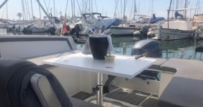 Nuva Nuva M6 entre particuliers et professionnel à Sitges