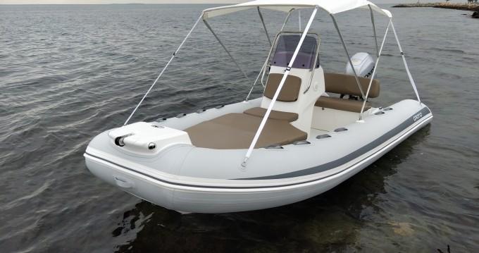 Louer Semi-rigide avec ou sans skipper Grand Boats à Mèze