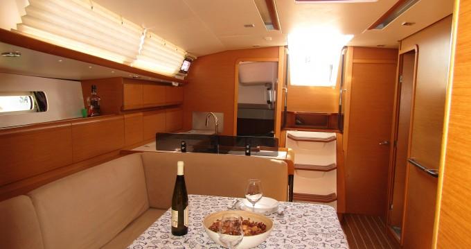 Louez un Jeanneau Sun Odyssey 439 à Salerno
