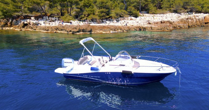 Location bateau Mandelieu-la-Napoule pas cher Cap Camarat 6.5 CC Style