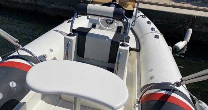 Louer Semi-rigide avec ou sans skipper 3D Tender à Saint-Tropez