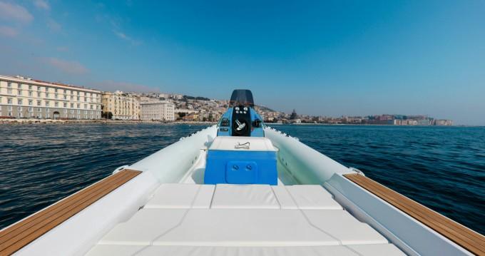 Location bateau Antibes pas cher San Remo 24