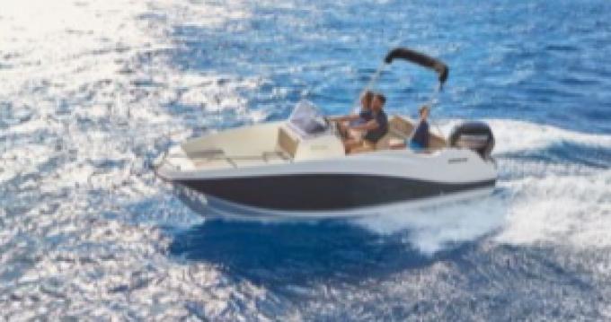 Location bateau Quicksilver Activ 555 Open à Martigues sur Samboat