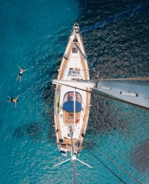 Location bateau Xiam-Hong-Kong Celestial 48 à Marseille sur Samboat