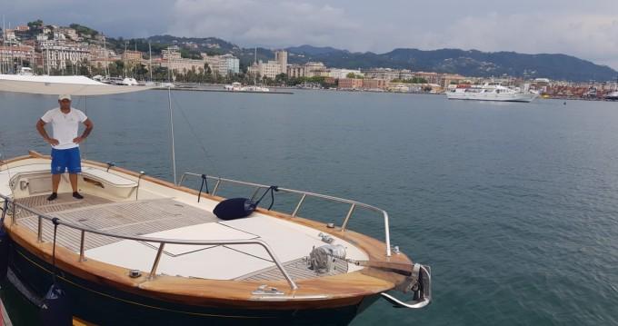 Bateau à moteur à louer à La Spezia au meilleur prix