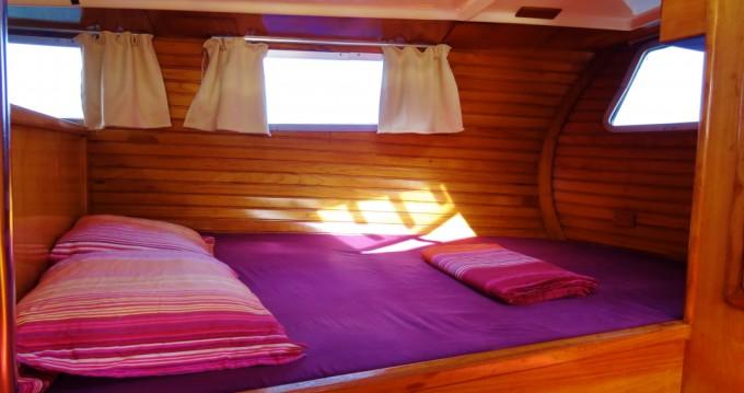 Location bateau Wauquiez Amphora 38 à Îles d'Hyères sur Samboat