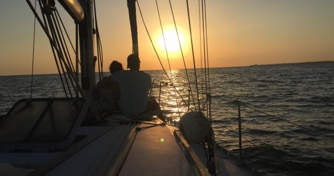 Louez un Jeanneau Sun Odyssey 37.1 à Rota
