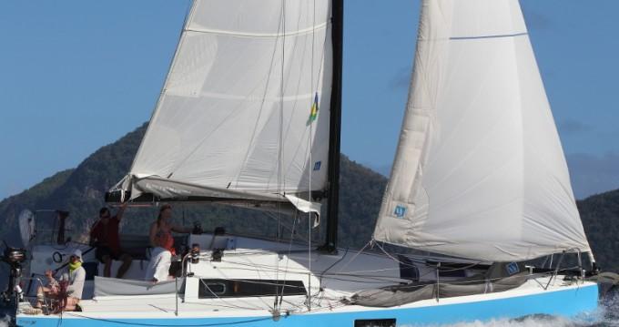 Location bateau Le Marin pas cher Pogo 30