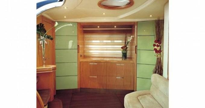 Louer Yacht avec ou sans skipper Absolute à Toulon