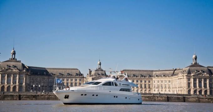 Location Yacht Alalunga avec permis
