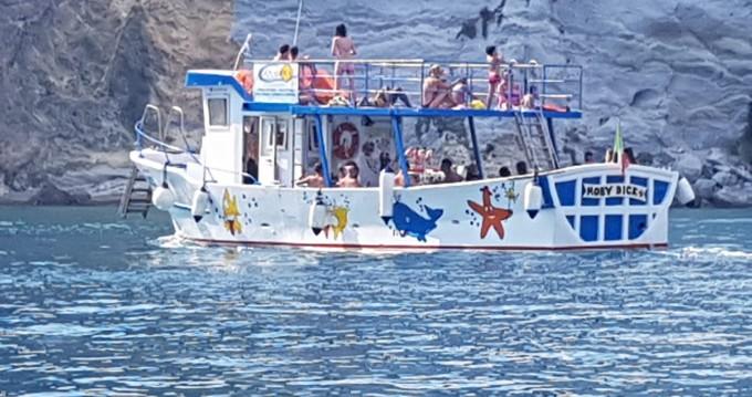 Louer Bateau à moteur avec ou sans skipper mariplast à Ponza