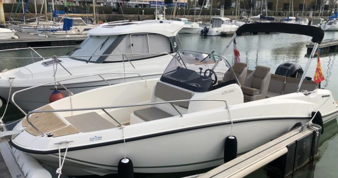 Location bateau Courseulles-sur-Mer pas cher Activ 675 Open