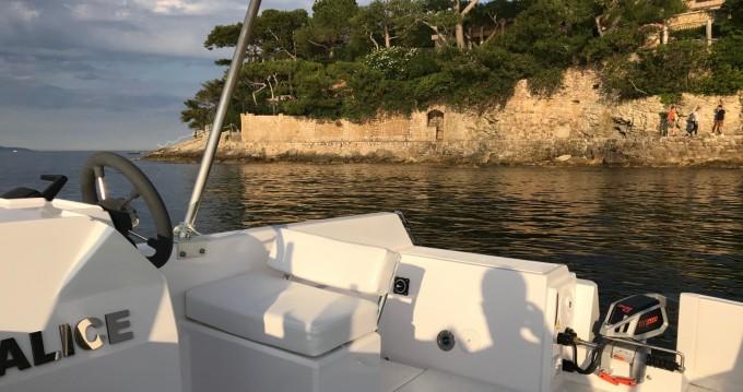 Louer Bateau à moteur avec ou sans skipper Sans Permis Electrique à France