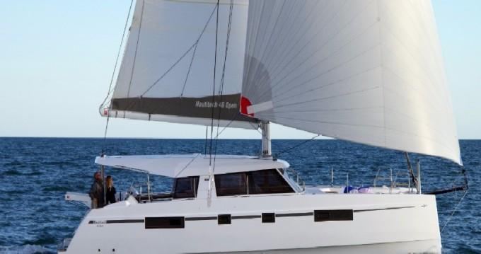 Location bateau Anse Marcel pas cher Nautitech 46 Open