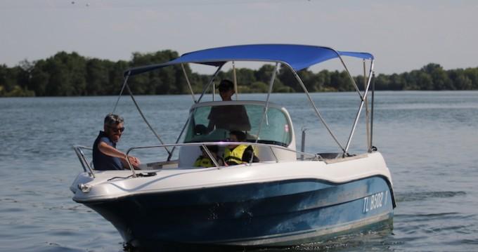 Louer Bateau à moteur avec ou sans skipper Quicksilver à Mâcon