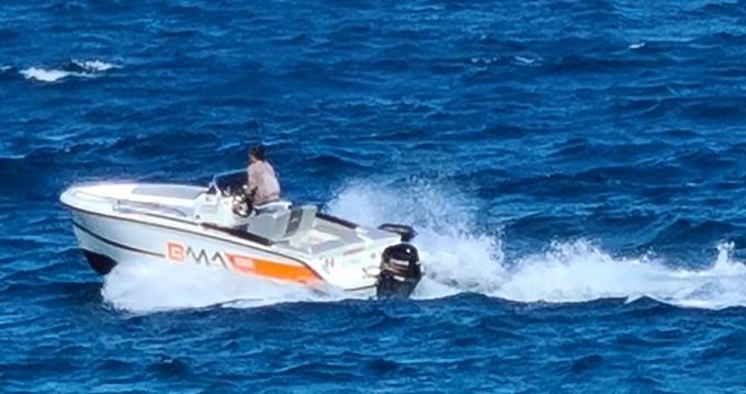 Louer Bateau à moteur avec ou sans skipper BMA à Bordighera