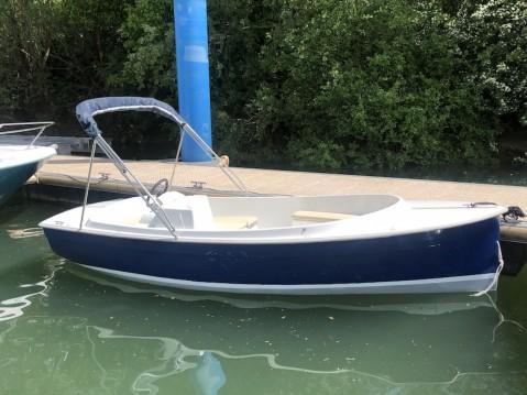 Louer Bateau à moteur avec ou sans skipper Ruban-Bleu à Mâcon