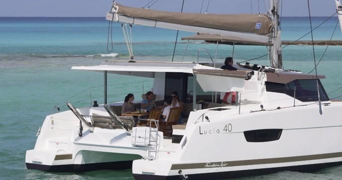 Location bateau Fountaine Pajot Lucia 40 à Bas du Fort sur Samboat