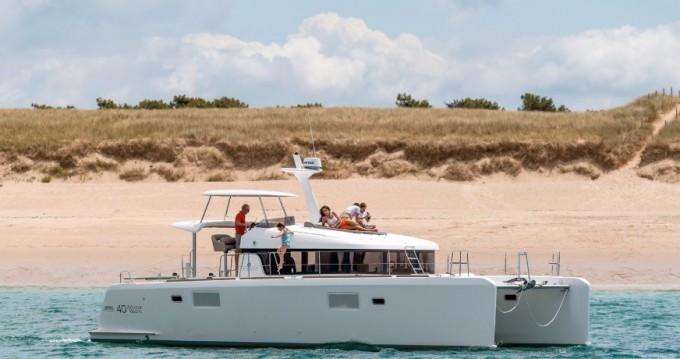 Lagoon Lagoon 40 Motor Yacht entre particuliers et professionnel à Nouméa