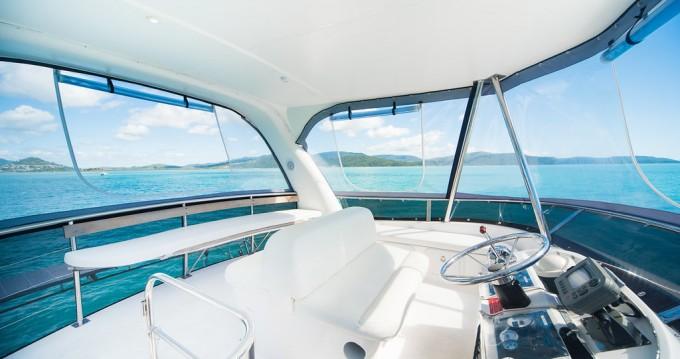 Louez un Perry Catamarans Perry 44.5 PC à Airlie Beach