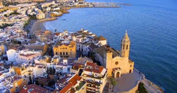 Louer Voilier avec ou sans skipper Bénéteau à Port de Sitges Aiguadolç