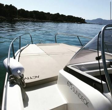 Quicksilver Activ 675 Sundeck Sport entre particuliers et professionnel à Cannes