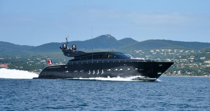 Arno Leopard Leopard 31 entre particuliers et professionnel à Saint-Tropez