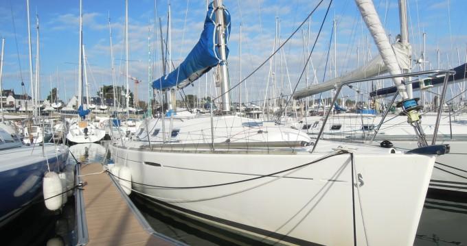 Location bateau Bénéteau First 31.7 à La Trinité-sur-Mer sur Samboat