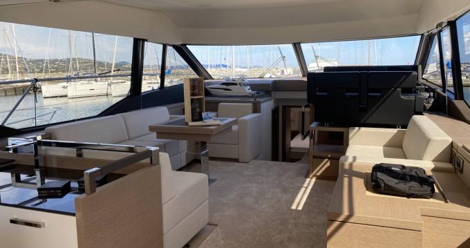 Louer Yacht avec ou sans skipper Prestige à Cogolin