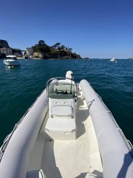 Location bateau Dinard pas cher Explorer 640 SB