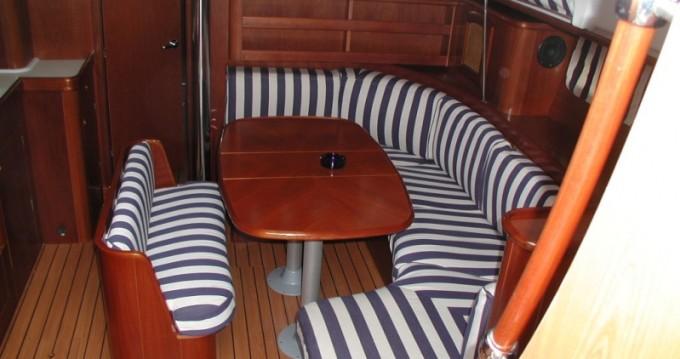 Location bateau Bénéteau Oceanis Clipper 411 - 3 cab. à Trogir sur Samboat
