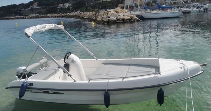Karel V160 entre particuliers et professionnel à Saint-Cyr-sur-Mer