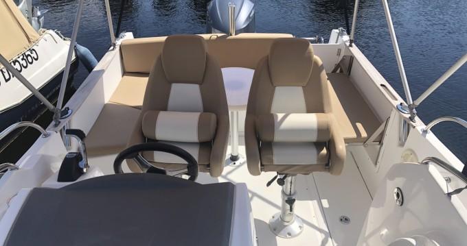 Louer Bateau à moteur avec ou sans skipper Jeanneau à Cazaux