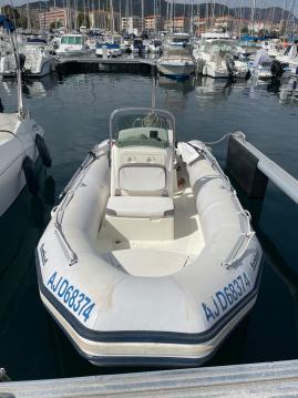 Louer Semi-rigide avec ou sans skipper Bombard à Ajaccio