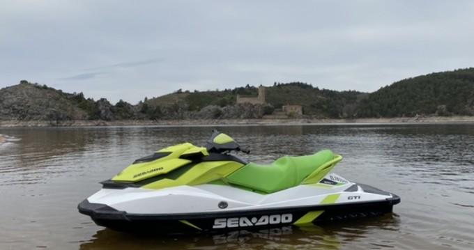 Louer Jet Ski avec ou sans skipper Sea-Doo à Saint-Victor-sur-Loire