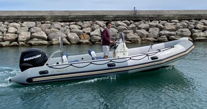Louer Semi-rigide avec ou sans skipper Bombard à Palavas-les-Flots