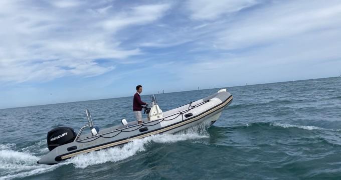 Louez un Bombard Sunrider 650 à Palavas-les-Flots