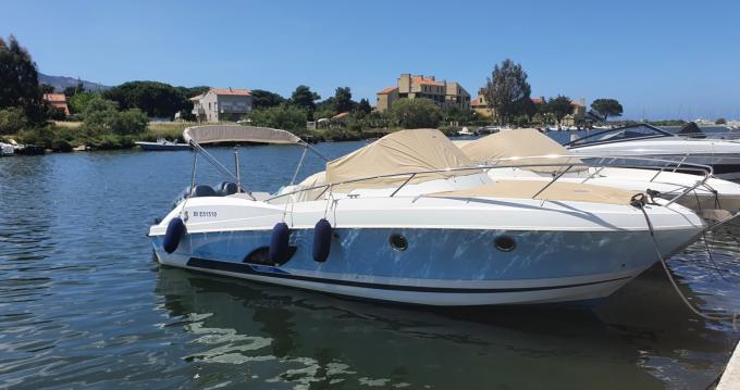 Bénéteau Flyer 850 Sun Deck Miami entre particuliers et professionnel à Saint-Florent