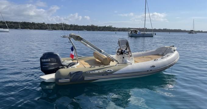 Location bateau Zodiac Medline 650 à Cannes sur Samboat