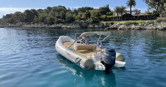 Location bateau Zodiac Medline 650 Neo à Antibes sur Samboat