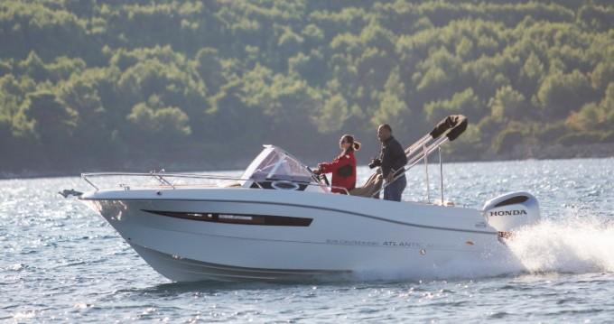 Atlantic Atlantic Marine Sun Cruiser 690 entre particuliers et professionnel à Veruda