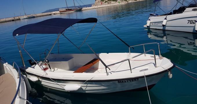 Louez un Adria 500 à Makarska