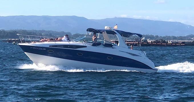 Location bateau Bayliner Avanti 325 S à Sanxenxo sur Samboat