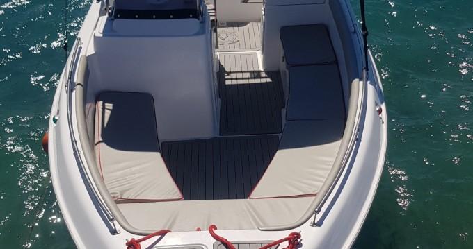 Louer Bateau à moteur avec ou sans skipper Volos Marine à Alikanás