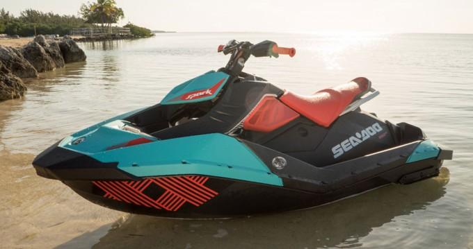 Louez un Sea-Doo Spark trixx à Ajaccio