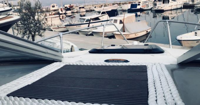 Location bateau Bayliner Capri 2052 à Split sur Samboat