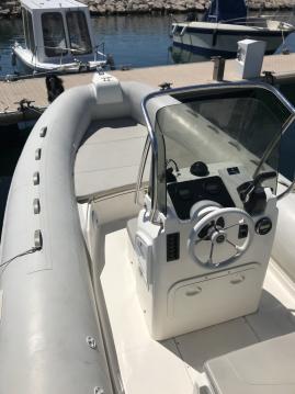 Louer Semi-rigide avec ou sans skipper Capelli à Carro